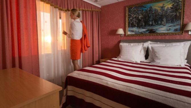 Suite-bedroom-Toila-Spa-Hotel
